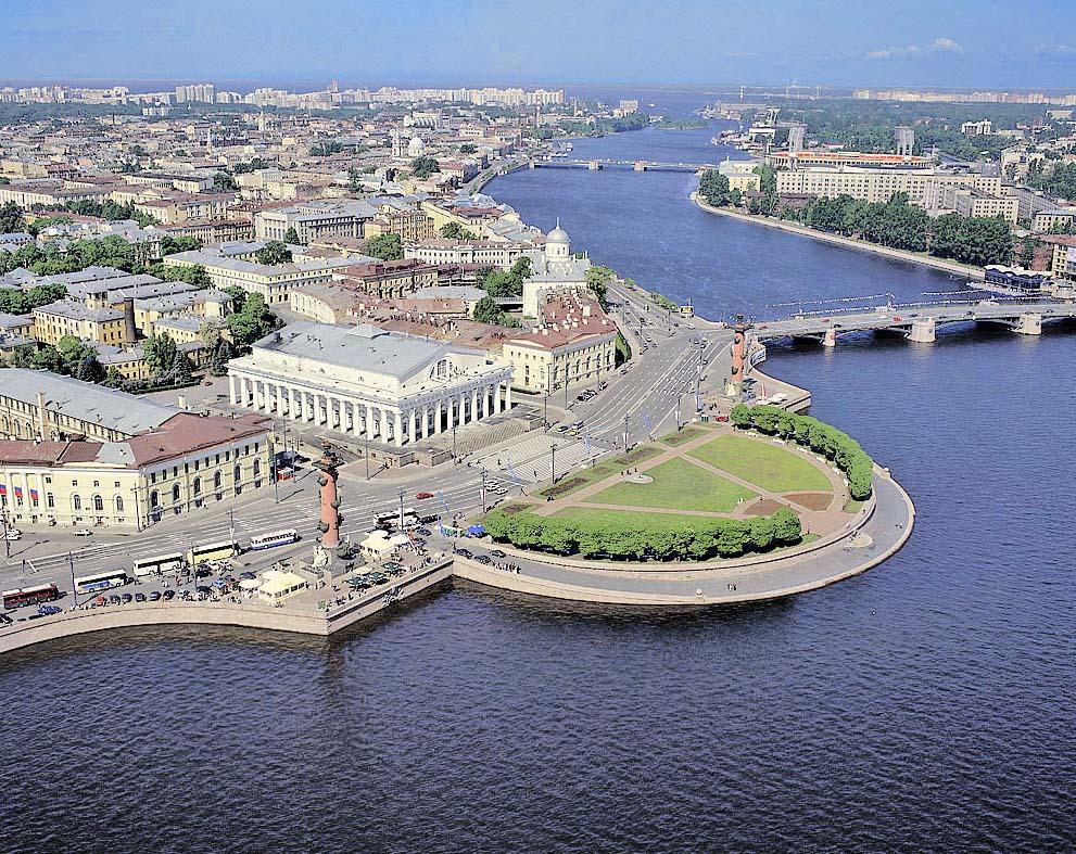 дворец в Петербурге