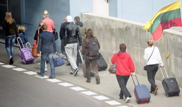 Люди уезжают