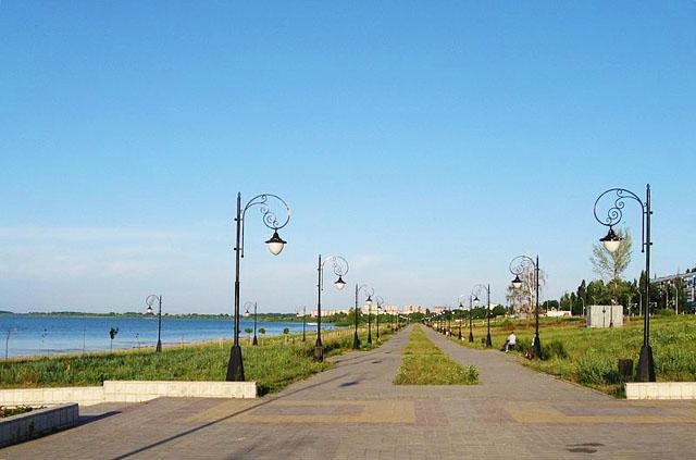 Курчатов - русский город в Курской области, основан как жилой поселок при с
